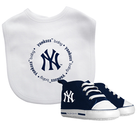 Bib & Prewalker Gift Set - New York Yankees