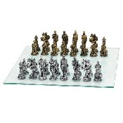 Medieval Gld/Slv Chessmen - Poly Resin (King: 3 3/4